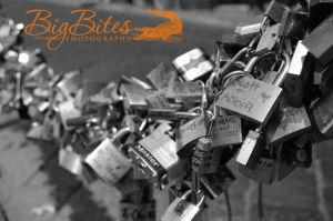 Promises-Kept-Locks-in-Florence-Italy-Big-Bites-Photography.jpg