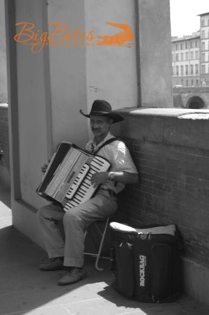 accordian-player-Florence-Italy-Big-Bites-Photography.jpg