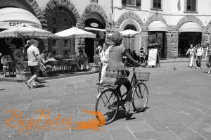 Florence-Biker-BW-Italy-Big-Bites-Photography.jpg
