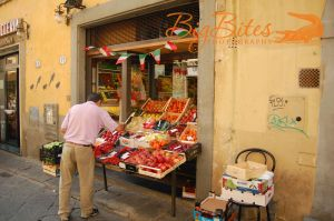 Fresh-Fruit-in-Florence-Italy-Color-Big-Bites-Photography.jpg